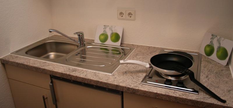 Möbl zimmer als einzel o doppelzimmer mit küche objekt nr 61203